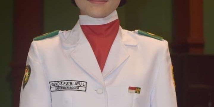 Siswa SMAN 1 Dramaga Menjadi Pembawa Baki pada acara HUT RI ke-74 di Lapangan Tegar Beriman Kabupaten Bogor